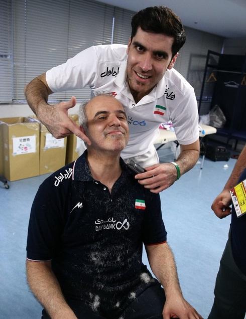 عکس تراشیده شدن ریش های سرپرست والیبال ایران