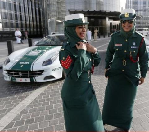 dubai_police_woman5.jpg