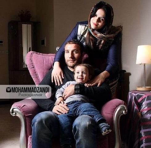 عکس هرایر مگویان در کنار همسر و فرزندش