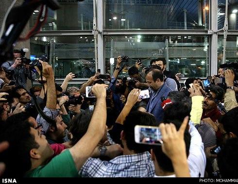 اصغر فرهادی در میان مردم و خبرنگاران