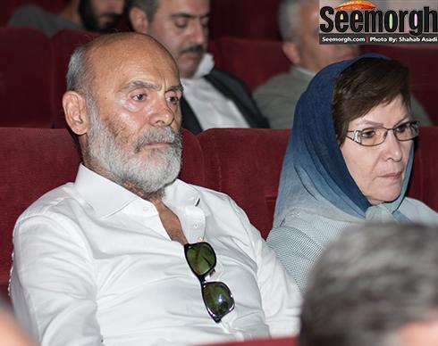 جمشید هاشم پور در کنار همسرش