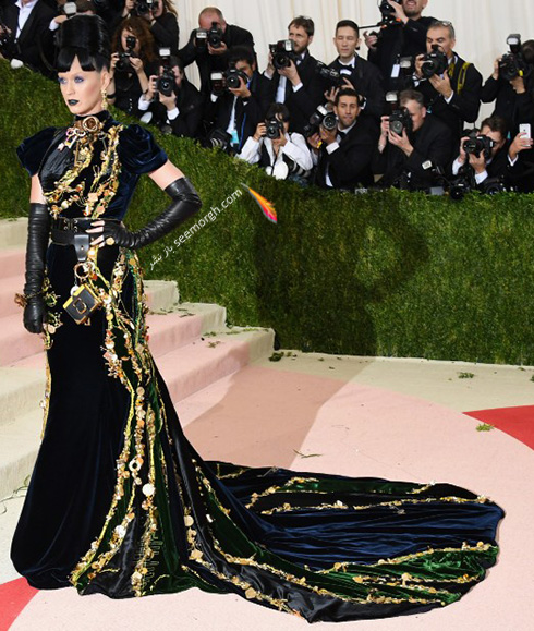 مدل لباس کیتی پری Katy Perry در مراسم مت گالا Met Gala 2016