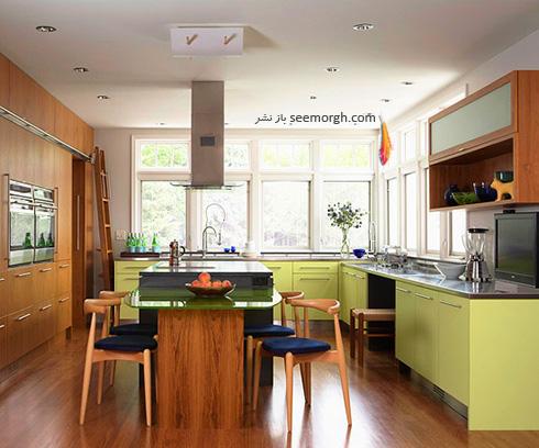 دکوراسیون آشپزخانه با ترکیب رنگ قهوه ای و سبز صدری روشن