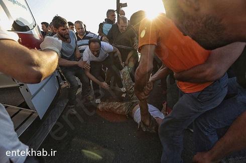 تصاویر شکنجه کودتاگران توسط نیروهای امنیتی ترکیه