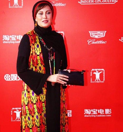 لباس مهتاب کرامتی روی فرش قرمز جشنواره فیلم شانگهای