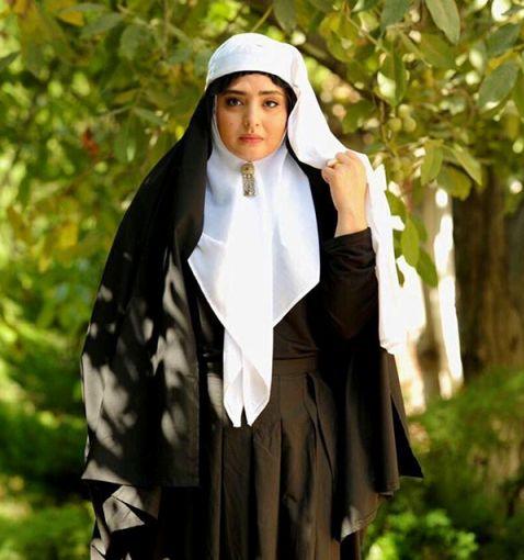 ظاهر نرگس محمدی در فیلم نیمکت