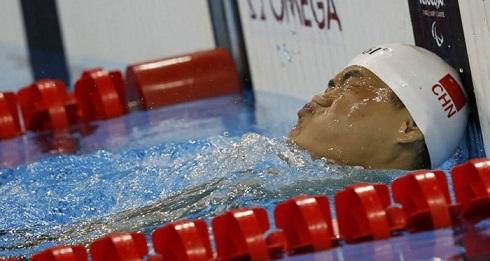 عکس قهرمان چینی شنا در پارالمپیک 2016