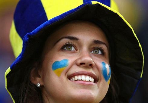 تصاویر دختران زیبا در یورو 2016