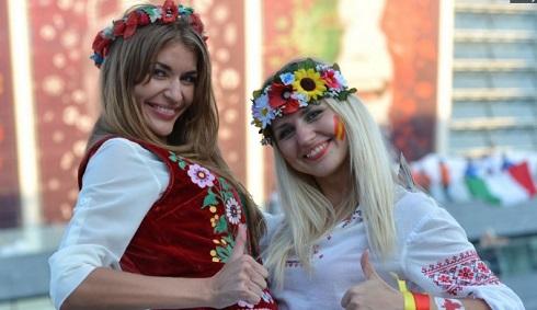 دختران زیبا در یورو 2016