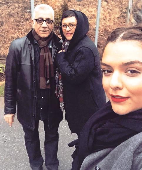 عکس جدید رویا تیموریان در کنار همسر و دخترش