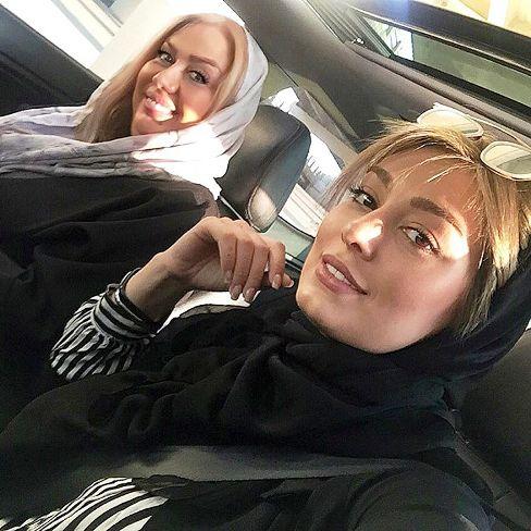 سحر قریشی در کنار مادرش در اتومبیل گرانقیمتش