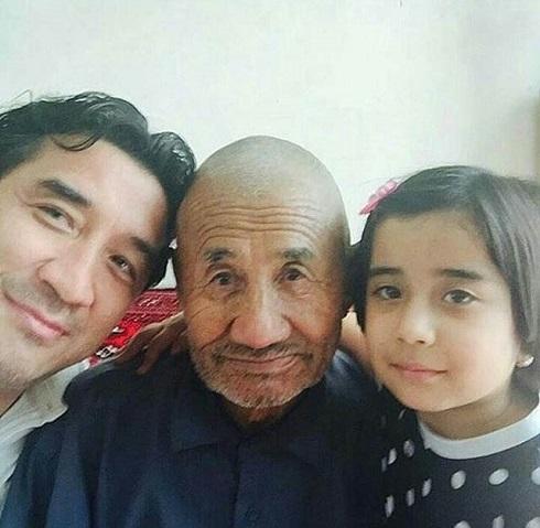 عکس خداداد عزیزی در کنار دختر و پدرش