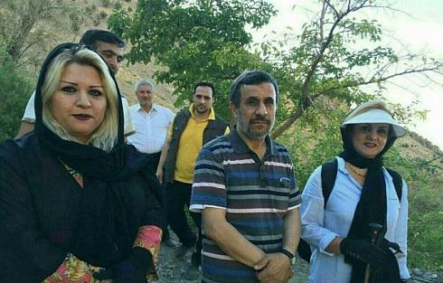 عکس یادگاری با احمدی نژاد در کوه