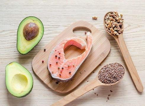1. برای جذب ویتامین های A ،  D ،  E و K بهتر است آن ها را به همراه چربی مصرف کنید