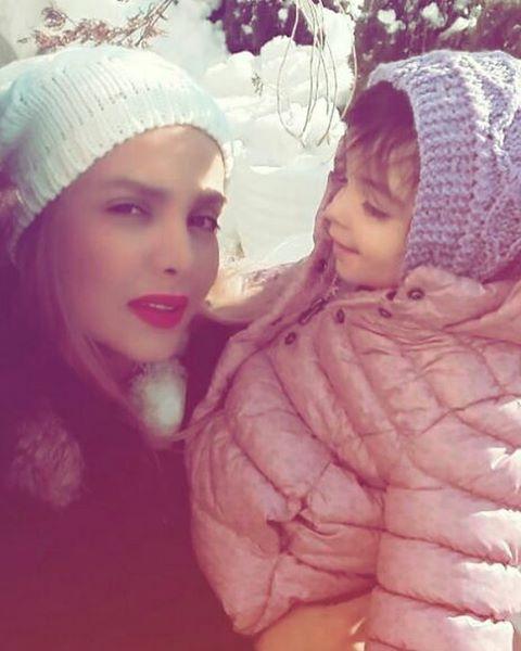تصویر همسر امیر مهدی ژوله و دخترش