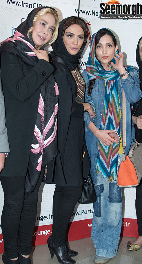 آنا نعمتی در کنار مارال فرجاد و خاطره اسدی در اکران فیلم جاودانگی