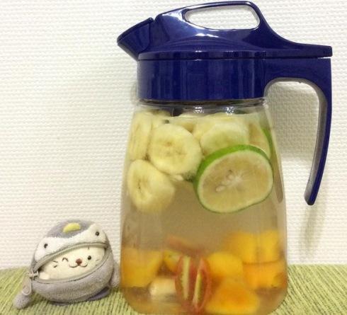 10. موز, لیموترش, انبه و گوجه فرنگی در آب BANANA LEMON MANGO TOMATO