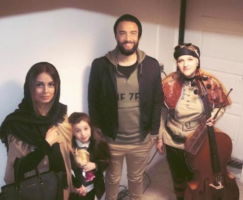 بنیامین بهادری در کنار همسرش شایلی و ملانی
