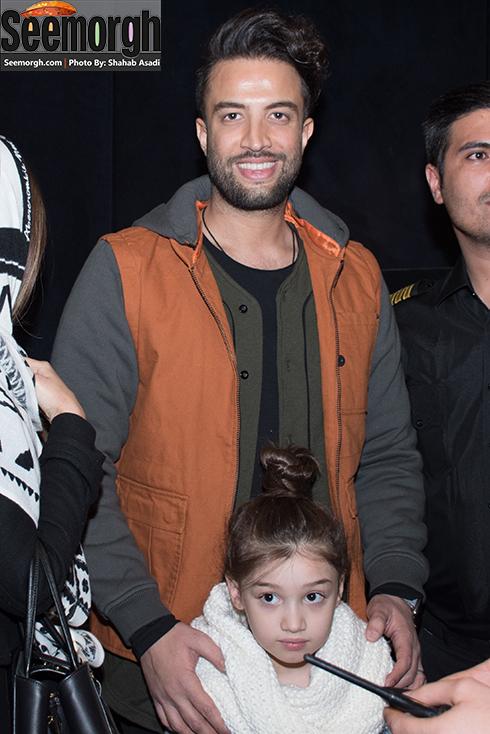 چهره خندان بنیامین بهادری در کنار دخترش بارانا