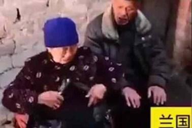 زنی که بخاطر فقر روده اش را با خود حمل می کند 1