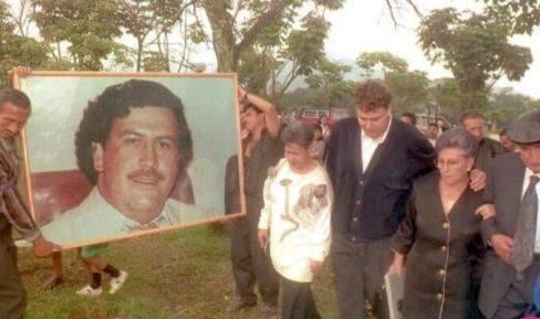 مراسم تدفین پابلو اسکوبار