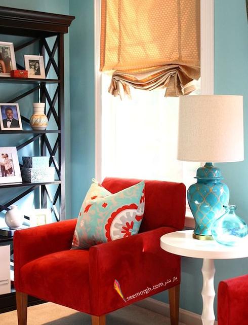ترکیب رنگ قرمز، آبی و سفید برای دکوراسیون داخلی اتاق نشیمن - عکس شماره 4