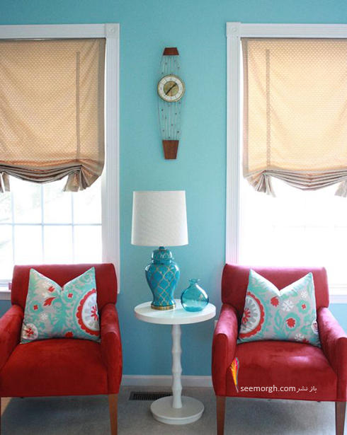 ترکیب رنگ قرمز، آبی و سفید برای دکوراسیون داخلی اتاق نشیمن - عکس شماره 3