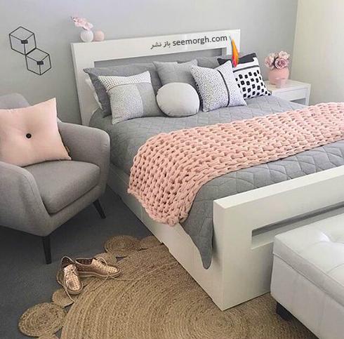 ترکیب رنگی روتختی گلبهی و زمینه سفید - مشکی در دکوراسیون داخلی اتاق خواب - عکس شماره 2