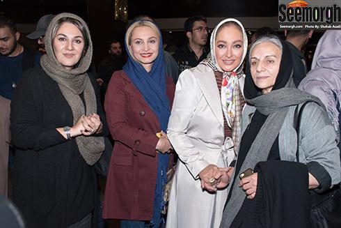 الهام حمیدی در کنار مریم کاویانی و ستاره اسکندری در اکران فیلم نفس