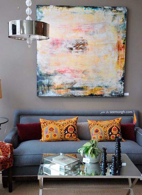 استفاده از رنگ های متضاد زمینه مبلمان ولی هماهنگ با مابقی آیتم های خانه - عکس شماره 1