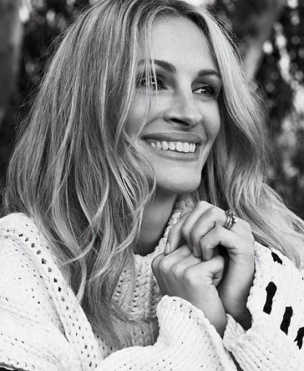 جولیا رابرتز لبخندش را بیمه کرد , عکس جولیا رابرتز,  بیمه کردن لبخند جولیا رابرتز , چالش بیمه اعضا توسط هنرمندان