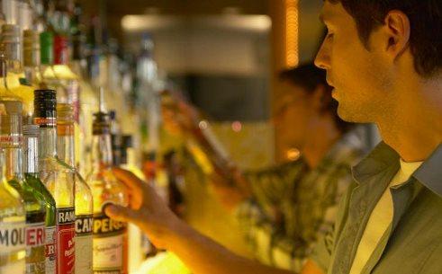 7. مصرف مشروبات الکلی را کاهش دهید