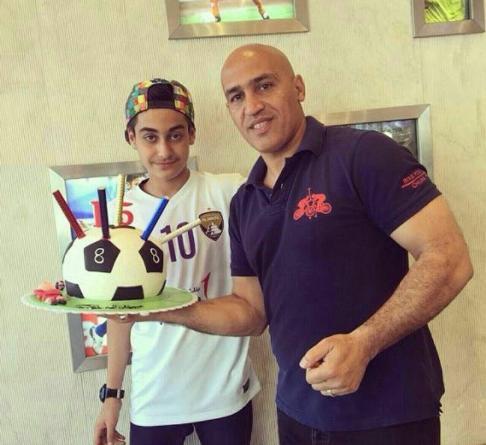 منصوریان در کنار پسرش