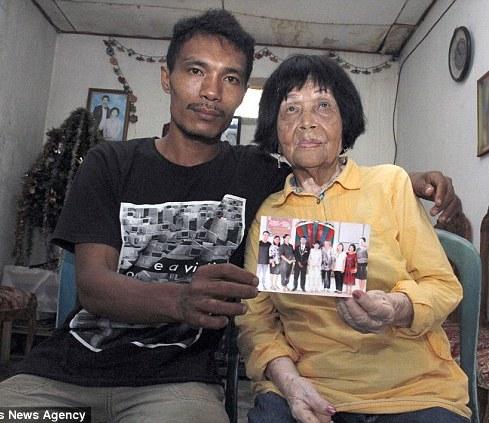 پسر ۲۸ساله عاشق صدای زن ۸۲ساله شد و ازدواج کردند! عکس