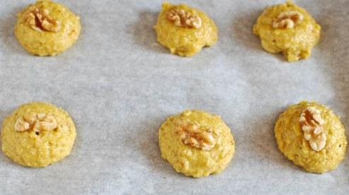 مرحله ششم درست کردن شیرینی گردویی خانگی برای نوروز