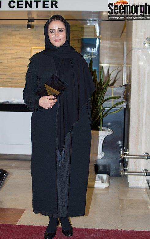 مدل مانتو پریناز ایزدیار در افتتاحیه جشنواره فجر 35
