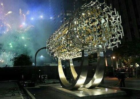 مجسمه ملهم از منشور کوروش کبیر در امریکا