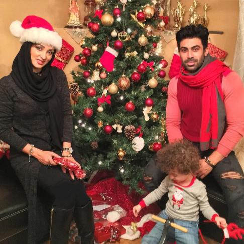 روناک یونسی در کنار همسر و پسرش در کریسمس 2017
