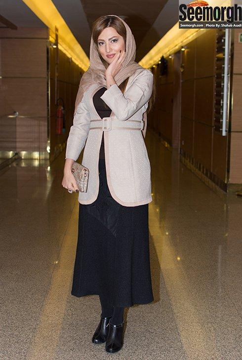 مدل مانتو سمیرا حسینی در افتتاحیه جشنواره فجر 35