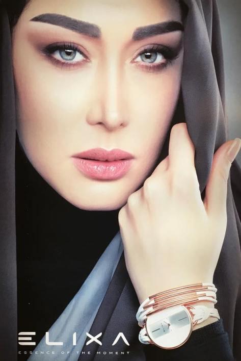 چهره سارا منجزی  در همکاری با برند الیکسا