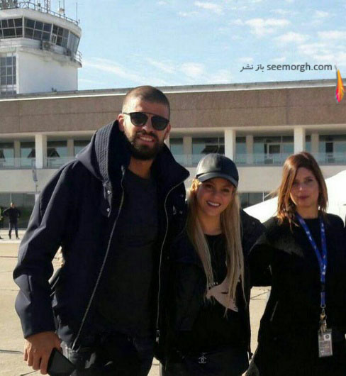 پیکه و شکیرا در فرودگاه محل برگزاری مراسم لیونل مسی
