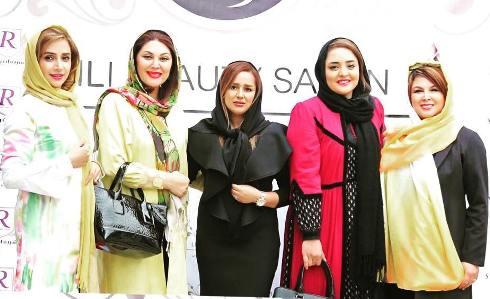 بازیگران زن در سالن زیبایی 1