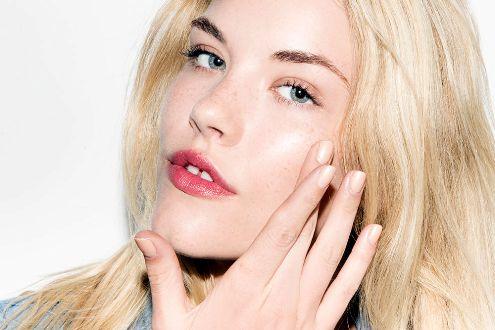 کاربردهای وازلین برای زیبایی پوست و مو