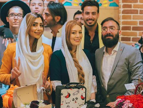سحر قریشی و الهام عرب در کنار مالک برند vizland