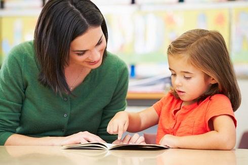 کمک والدین و آموزگار