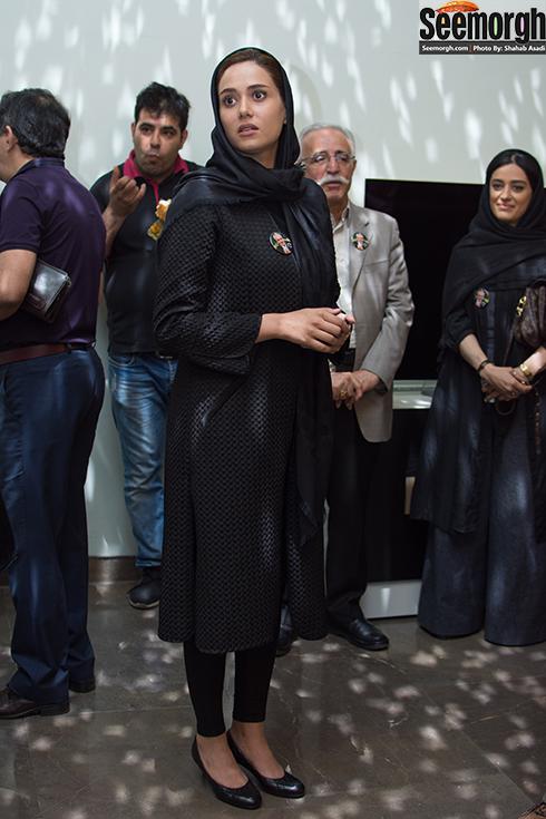 پریناز ایزدیار در مراسم یادبود علی معلم